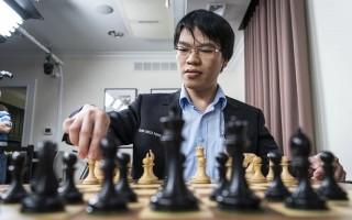 """Quang Liêm hạ """"vua cờ"""" Garry Kasparov sau 31 nước cờ"""