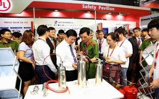 Bế mạc triển lãm quốc tế về kỹ thuật, phương tiện PCCC-CNCH và thiết bị an ninh, an toàn, bảo vệ