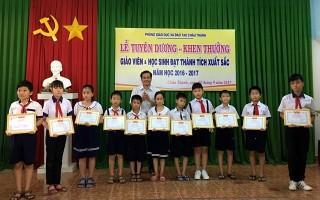 Châu Thành: Tuyên dương giáo viên, học sinh đạt thành tích xuất sắc năm học 2016-2017