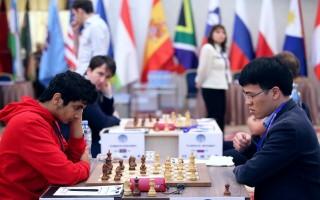 Quang Liêm bại trận trước Santosh Gujrathi