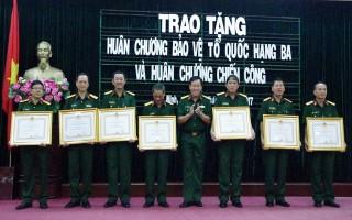 Sư đoàn 5: Trao tặng Huân chương Bảo vệ Tổ quốc và Huân chương Chiến công