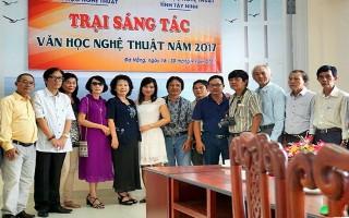 Ðoàn văn nghệ sĩ Tây Ninh dự trại sáng tác Ðà Nẵng