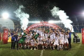 Bóng đá Thái Lan 'thâu tóm' danh hiệu thứ 2