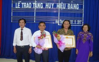 Trao huy hiệu Đảng cho đảng viên ở TP.Tây Ninh và các huyện Trảng Bàng, Gò Dầu