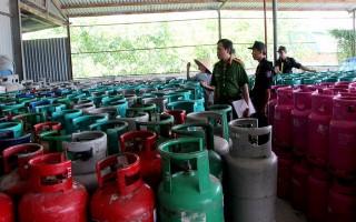 Phạt Công ty Thái Dương 200 triệu đồng về hành vi tái chế, sử dụng vỏ bình gas trái phép