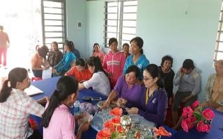 Giải ngân vốn cho hội viên, phụ nữ nghèo