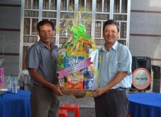 Lãnh đạo huyện Tân Châu thăm, chúc mừng đồng bào Khmer nhân lễ Sene Dolta