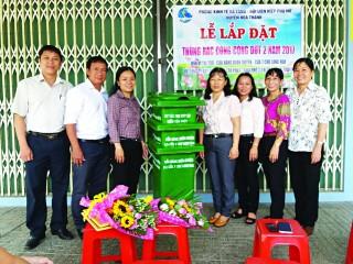 Ðặt thùng rác công cộng trên đường Phạm Hùng