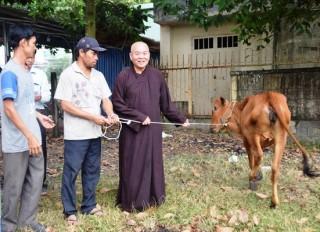 Trao vốn hỗ trợ hộ nghèo xã Phước Minh