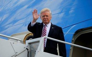 Tổng thống Trump lên mạng thông báo đang trên đường tới Việt Nam