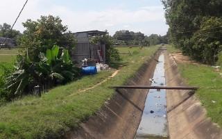 Báo động tình trạng xâm hại phạm vi bảo vệ các tuyến kênh