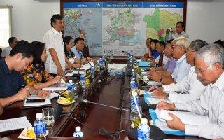 Làm việc với UBND tỉnh về thực hiện chương trình mục tiêu quốc gia