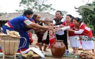 Nhiều hoạt động chào năm mới 2018 tại Làng Văn hóa du lịch