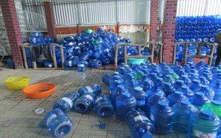 Kiểm tra hoạt động sản xuất nước uống đóng chai