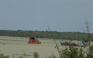 """Nhiều """"cát tặc"""" sa lưới"""