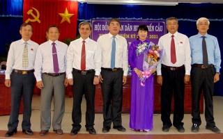Tổ chức kỳ họp bất thường bầu Chủ tịch UBND huyện