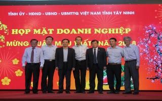 UBND tỉnh: Họp mặt doanh nghiệp mừng xuân Mậu Tuất năm 2018