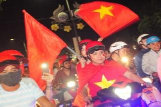 Người hâm mộ Tây Ninh đổ ra đường vì niềm tự hào U23 Việt Nam