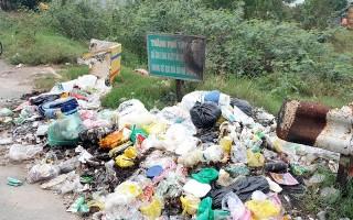 Nhiều bãi rác tự phát ven rạch Tây Ninh