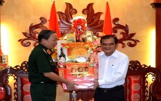 Chính ủy Quân khu 7 thăm, chúc Tết Tây Ninh
