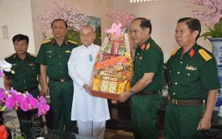 Bộ CHQS Tây Ninh chúc tết Hội thánh Cao Đài Tây Ninh