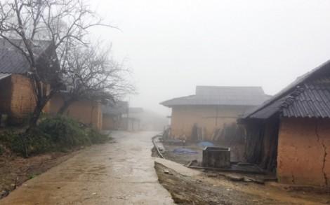 Những ngôi nhà đất độc đáo ở Say Sán Phìn