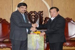 Chủ tịch UBND tỉnh tiếp Tổng lãnh sự Ấn Ðộ đến chào xã giao