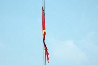 Cách treo cờ rủ đúng quy định trong lễ Quốc tang cố Thủ tướng Phan Văn Khải