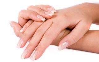 Bật mí 6 cách chăm sóc móng tay dễ gãy cực lợi hại