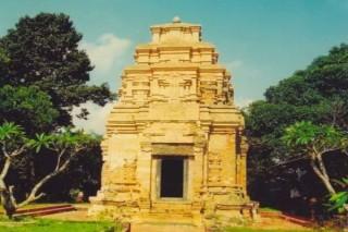 Phát triển du lịch Tây Ninh, đừng quên 2 tháp cổ