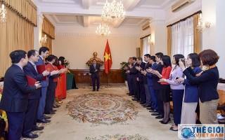 Bộ Ngoại giao trao quyết định bổ nhiệm, phân công cán bộ lãnh đạo cấp Vụ