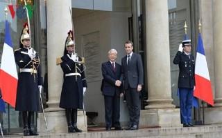 Tổng Bí thư và Tổng thống Pháp gặp gỡ báo chí sau hội đàm