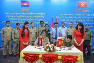 Ký kết hợp tác phòng chống tội phạm với Công an 3 tỉnh giáp biên