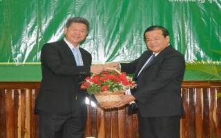 Chủ tịch UBND tỉnh thăm và chúc Tết cổ truyền nhân dân tỉnh Kampong Cham