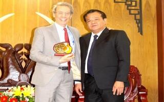 Chủ tịch UBND tỉnh tiếp Trợ lý cấp cao về chính sách đối ngoại của nguyên Chủ tịch Thượng viện Hoa Kỳ