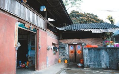 Nhà cổ ở xứ Pha Long