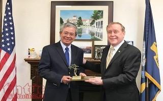 Đại sứ Phạm Quang Vinh thăm Học viện Hải quân Monterey