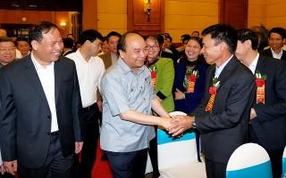 Thủ tướng đối thoại với nông dân