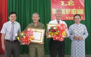 Trao tặng huy hiệu 60, 55, 50 năm tuổi đảng cho đảng viên huyện Tân Biên