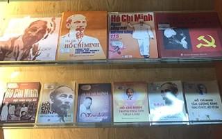 """Khai mạc triển lãm sách, báo """"Hồ Chí Minh – Chân dung một con người"""""""