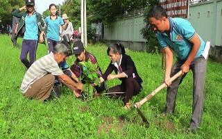 Phát động trồng cây nhớ Bác