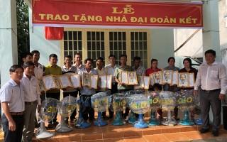 Tặng 42 căn nhà ĐĐK cho người nghèo huyện Châu Thành