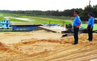 Tăng cường kiểm tra, xử lý phương tiện vận chuyển, khai thác cát khu vực hồ Dầu Tiếng