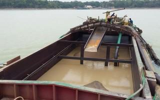 Tập trung chấn chỉnh hoạt động khai thác cát trong khu vực hồ Dầu Tiếng