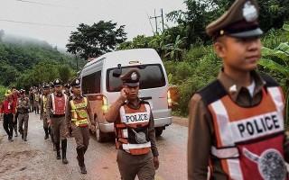 8 thành viên đội bóng Thái Lan được cứu