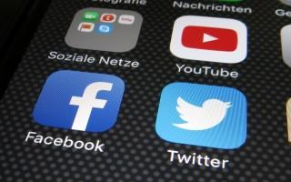 Mạng xã hội: Sẵn sàng sai sót vì lợi nhuận?