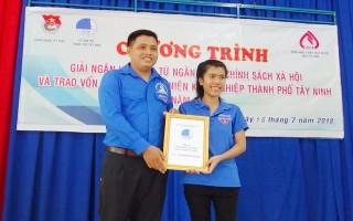 TP.Tây Ninh: Trao vốn khởi nghiệp cho thanh niên