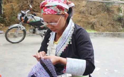 Văn hóa thêu thổ cẩm của người Dao đỏ