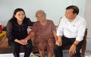 Chủ tịch UBND tỉnh thăm gia đình chính sách ở Gò Dầu