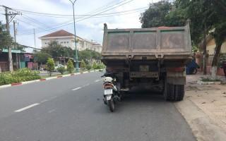 Va chạm xe tải, một người bị thương